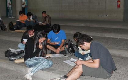 Jóvenes de Ingeniería participan de los talleres del Puente 2010