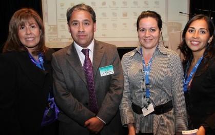 Claudia Pérez, directora Escuela de Enfermería; Roberto Poblete, coordinador general del Congreso Internacional; Dra María Margarita González y Glenda Marco, coordinadora Escuela de Enfermería