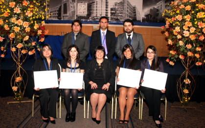 Alumnos de fonoaudiología junto a María Cecilia Isla