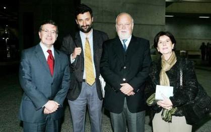 Joaquín Lavín, Cristián Warnken, Ernesto Silva y Gloria Carranza