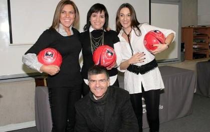 Panelistas junto a Sergio Gamboa