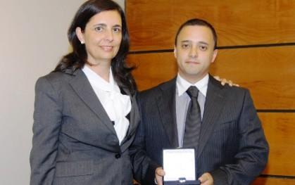 Florencia Jofré junto a Gonzalo Arroyo, Director Regional de la ONEMI
