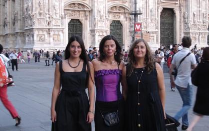 Alejandra Amenábar, Rosario Díaz y Bernardita Brancoli en Milán