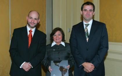 Ernesto Amorós, Irma Gutiérrez y Rodrigo Castro