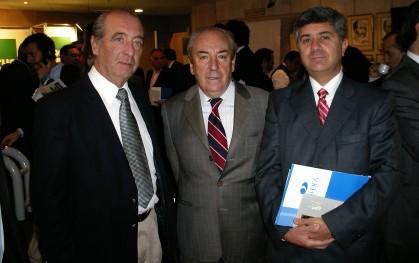 Pablo Escobar, Roberto Munita y Arnaldo Flores
