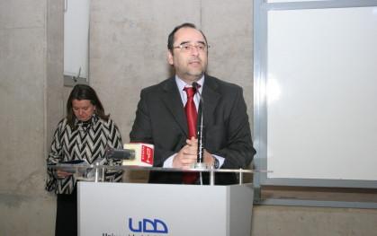 Eugenio Guzmán, decano Facultad de Gobierno UDD