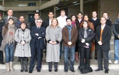 Estudiantes de Santiago, junto a Liliana Jadue y Luis Vicentela.