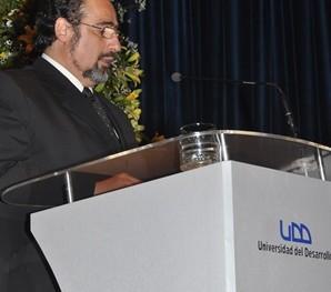 Dr.  Ricardo Lillo