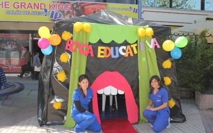 Estudiantes de la Facultad de Odontología UDD