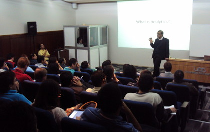Visita Ph.D. Uday Kulkarni