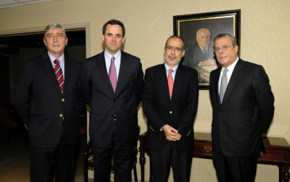 Cirilo Córdova, Rodrigo Castro, Rodrigo Valdés y Fernán Gazmuri.