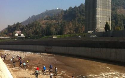 Pedaleando por el Río