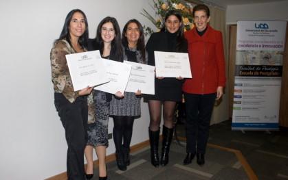 Olga Pizarro junto a alumnos de Concepción.
