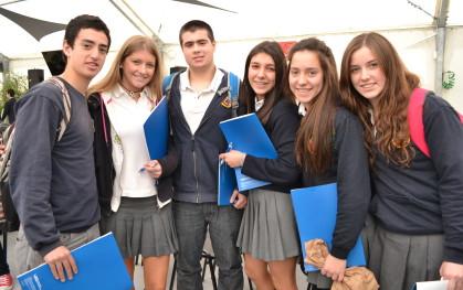 Alumnos en Los Jóvenes y el Futuro 1