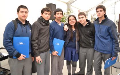 Alumnos en Los Jóvenes y el Futuro 2