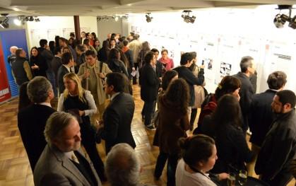 Público presenciando la exposición