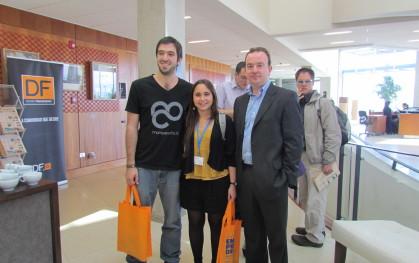 Los invitados junto al director de UDD Ventures