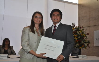 Marcela Aravena junto a Valentín Pimentel