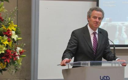 El rector de la UDD, Federico Valdés.