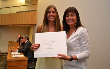 Premio Universidad del Desarrollo a Isidora Schaub. Concepción