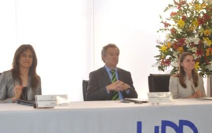 Teresita Serrano, federico Valdés y Marcela Aravena