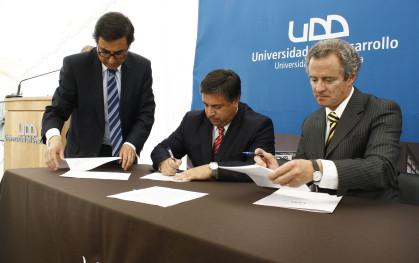 Marcelo Sandoval, Roberto Coloma y Federico Valdés