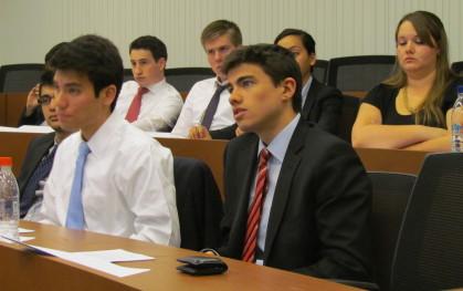 Los estudiantes en clases