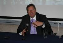 Embajador Michael A. Hammer