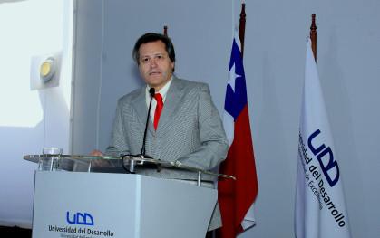 El decano Ricardo Ronco