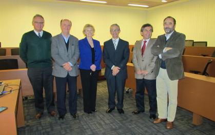 José Rodríguez junto a autoridades UDD