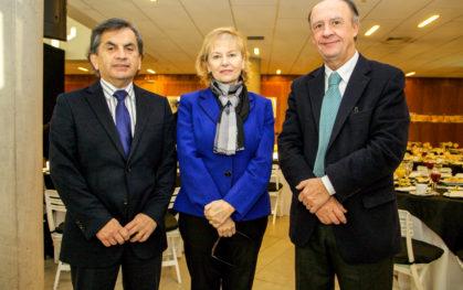 Sergio Hernández, Denise Saint Jean y Cristián Larroulet