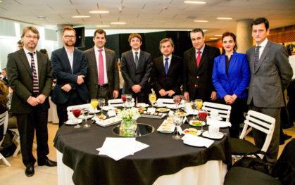 Guillermo Muñoz, Luis Bettencourt, Pelayo Covarrubias, Cristián Bowen, Sergio Hernández, Claudio Muñoz, Belinda Tato y Pablo Allard