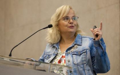 Eileen Hudson, directora de la Unidad de Investigación de la Facultad de Comunicaciones UDD
