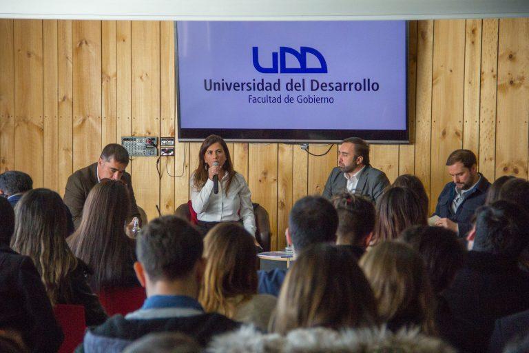 Exitoso seminario sobre el futuro de la Derecha y la Izquierda en Chile