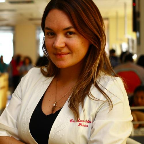 """Katherine Blaha, médico UDD en esta pandemia: """"Es una oportunidad para ser mejores seres humanos"""""""